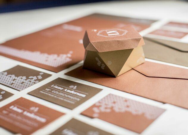 Impresión en blanco para estudios, diseñadores y agencias